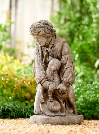 10047 Kneeling Shepherd Boy