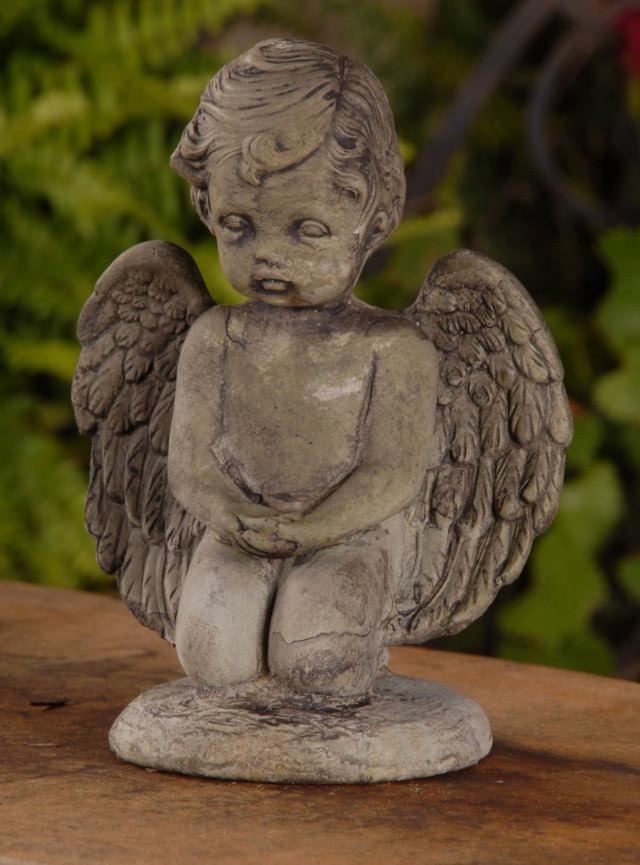 13006 Giving Angel
