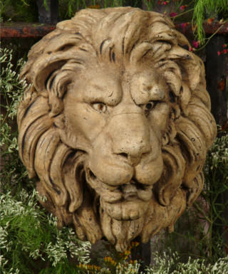 37503 Alistair Lion Plaque