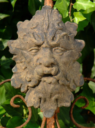 38006 Leaf Man Plaque