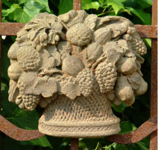38019 English Fruit Basket Plaque