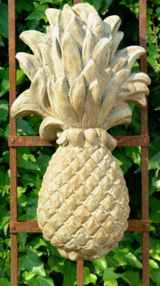 38021 Large Pineapple Plaque