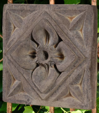 38034 Gothic Dogwood Plaque