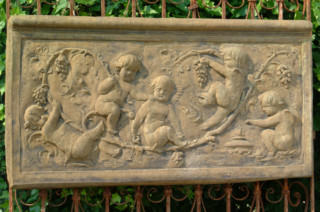 38042 Cherub/Grape Plaque