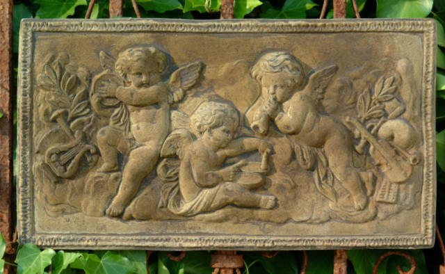 38048 Three Cherub Plaque