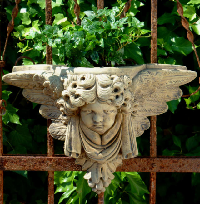 39501 Cherub Wall Planter