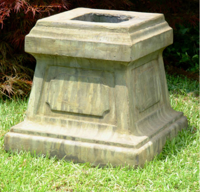 55017 Large Panel Pedestal
