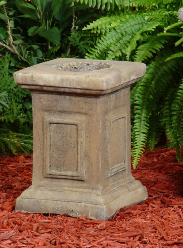 55020 A Small Picture Frame Pedestal