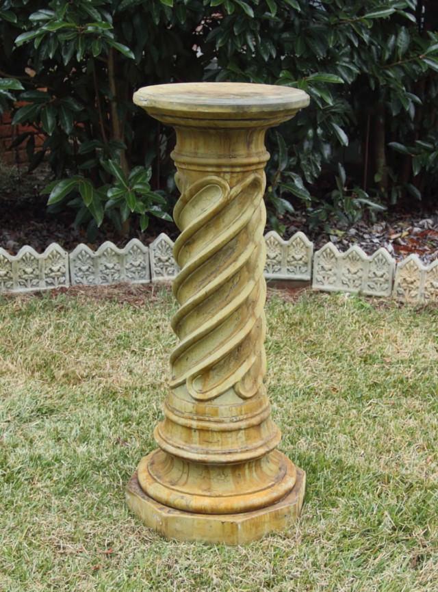 55039 Moroccan Spiral Pedestal *Biltmore*