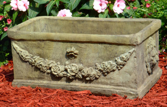 61006 Lion Garland Planter