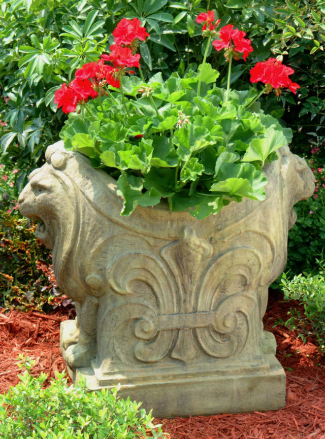 Lion Fleur-de-lis Planter | Unique Stone | Antique & Garden ...