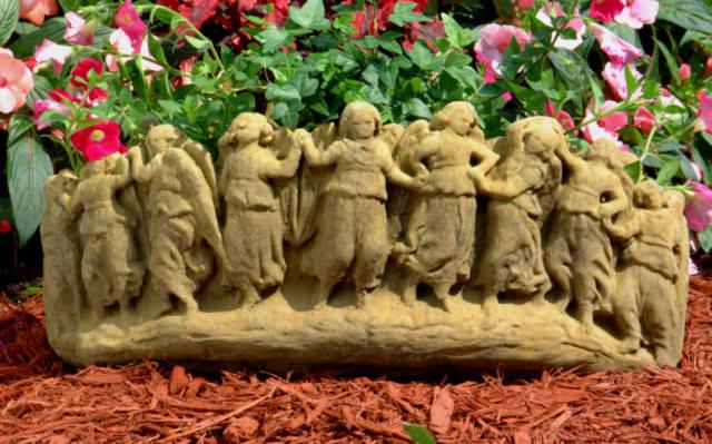 63502 Merry Maidens Planter