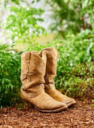 63508 Alamo Cowboy Boot Planter