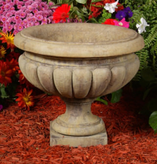 64103 Short Reeded Urn