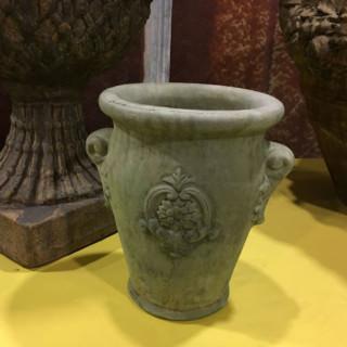 69029 Floral Cartouche Vase