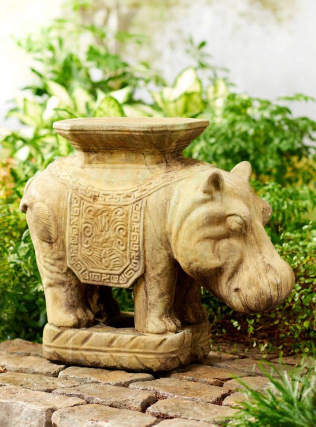 88100 Majestic Hippo